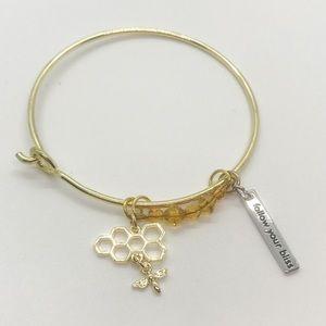 🎉HP🎉Honeycomb &Bee Sweet as Bliss Charm Bracelet